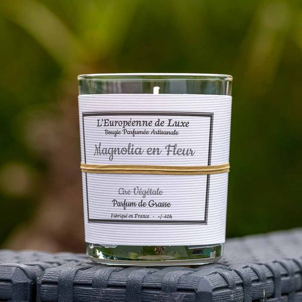 bougie en cire végétale 100% sans OGM senteur magnolia en fleur