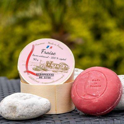 savon senteur fraise aux huiles pures végétales, fabrication française
