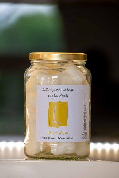 fondants en cire végétale senteur fleur de monoï, fabriqués en France